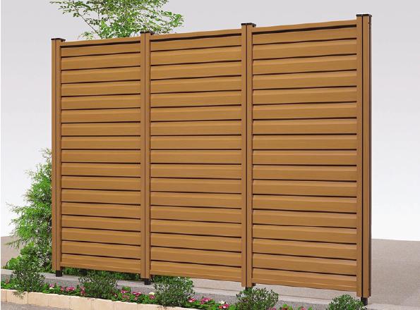 LIXIL 木樹脂フェンス3型